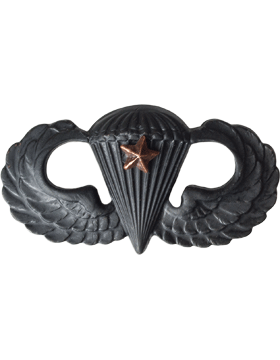 Black Metal Badge Parachutist w/ 1 Combat Star
