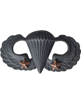 Black Metal Badge Parachutist w/ 2 Combat Stars