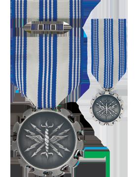 Air Force Achievement,Box Set w/Lapel Pin & Mini Medal