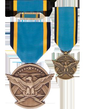 Air Force Aerial Achievement,Box Set w/Lapel Pin & Mini Medel