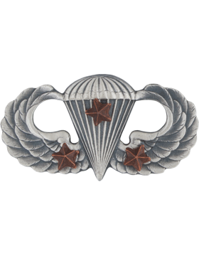 Parachutist with 3 Combat Star