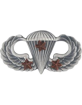 Parachutist with 3 Combat Star